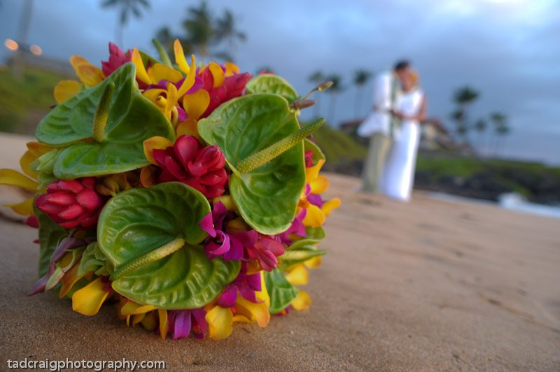 country-bouquets-florist-and-floral-arrangement-for-weddings-in-maui-hawaii 2.jpg