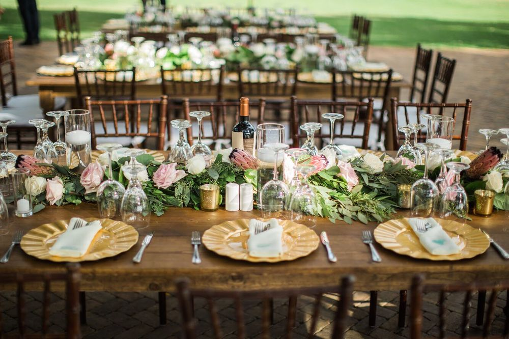 country-bouquets-florist-and-floral-arrangement-for-weddings-in-maui-hawaii 3.jpg