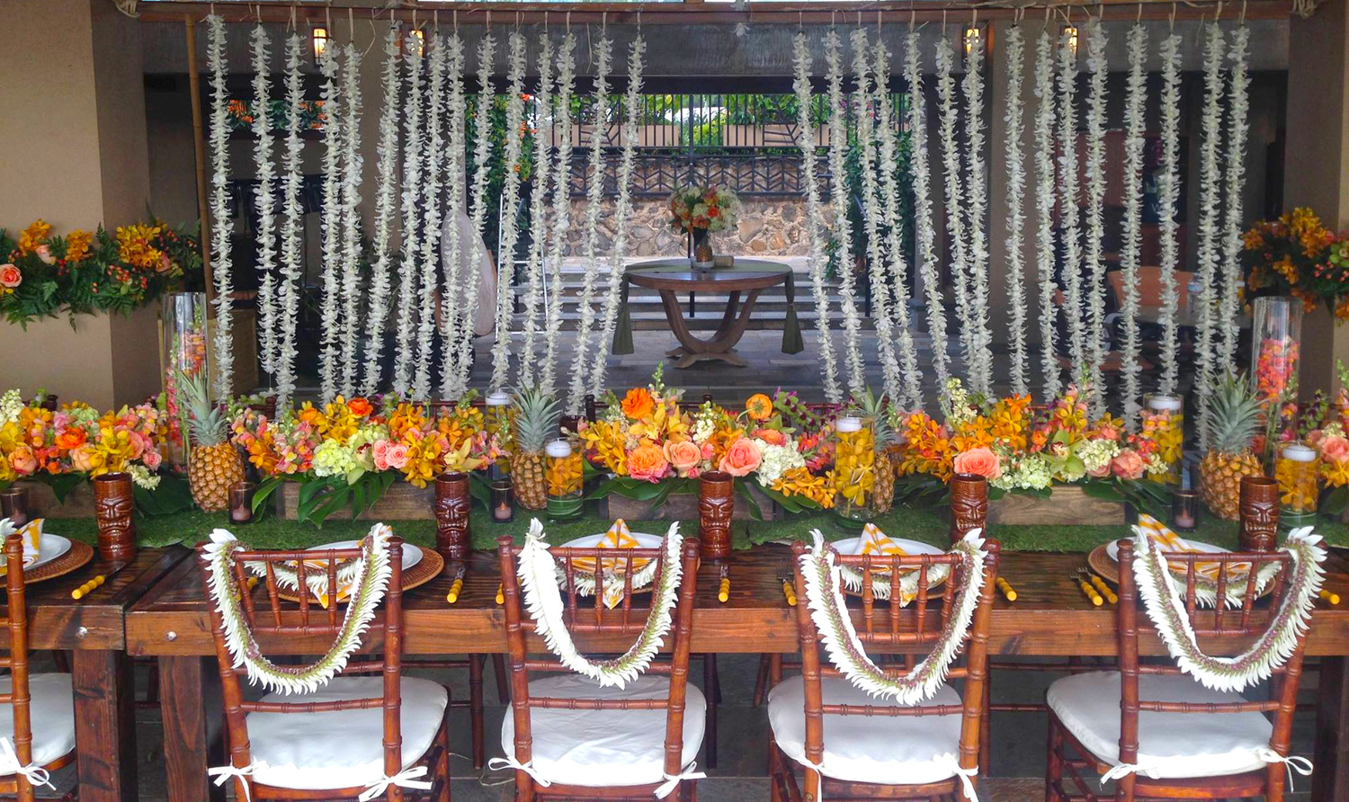 dellables-florist-and-floral-arrangement-for-weddings-in-maui-hawaii 2.jpg