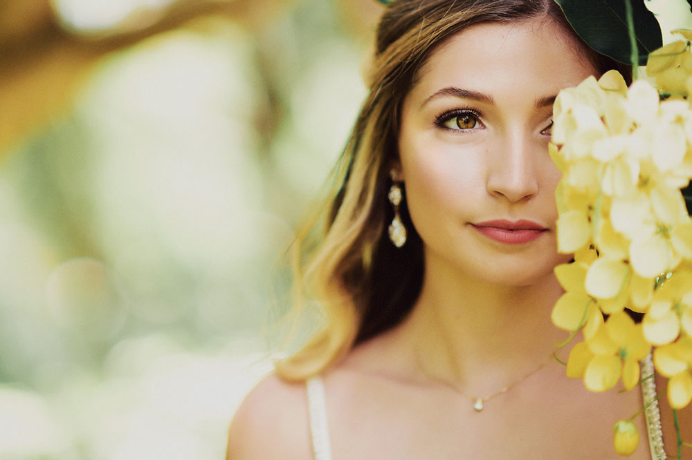 meili-autumn-beauty-hair-and-makeup-for-weddings-in-maui-hawaii.jpg