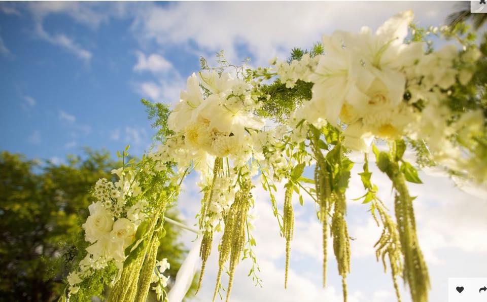 fukushima-flowers-florist-and-floral-arrangement-for-weddings-in-maui-hawaii 2.jpg