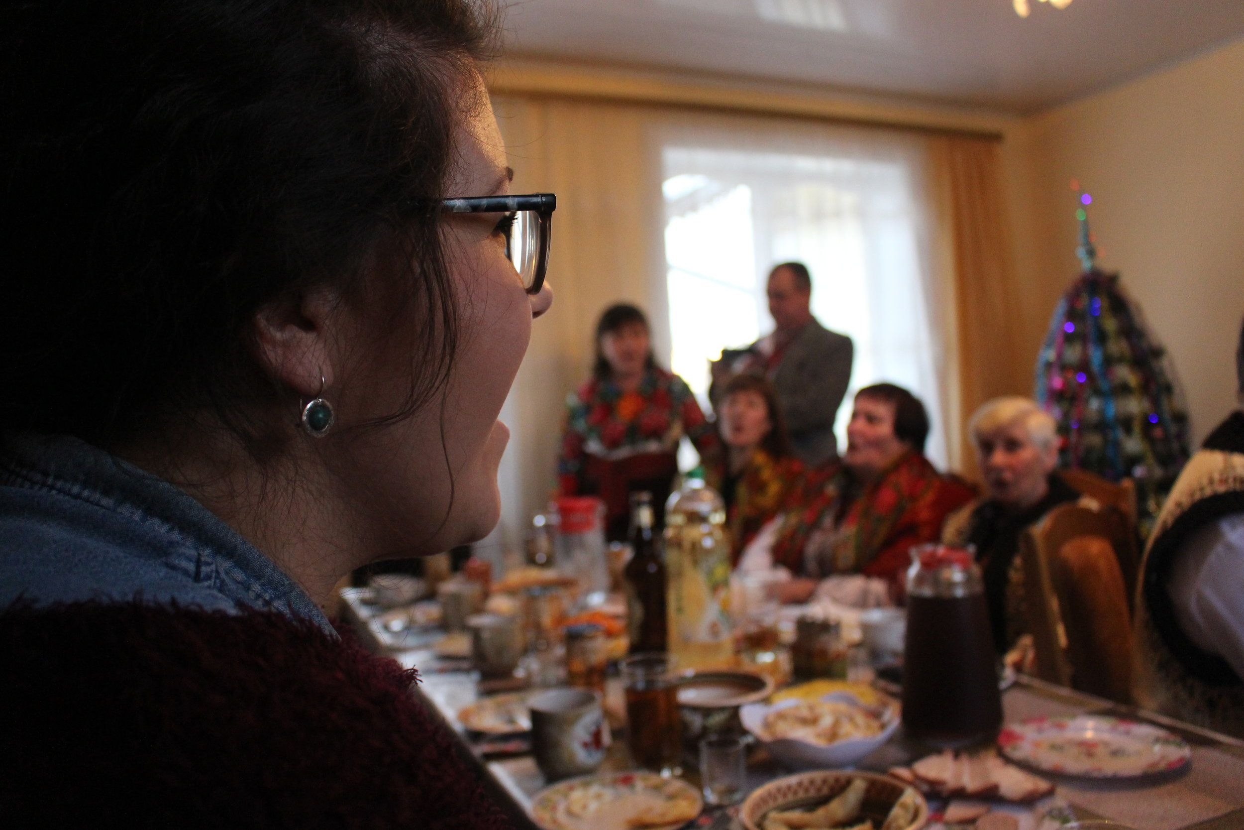 Hannah Picklyk sings her heart out at Christmas dinner in Tulova.
