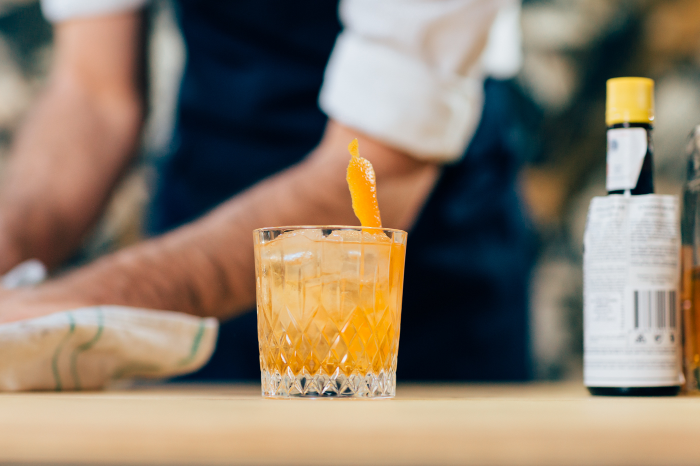 How-to-make-old-fashioned-cocktail-brisbane-gathering-events-mobile-cocktail-bartender