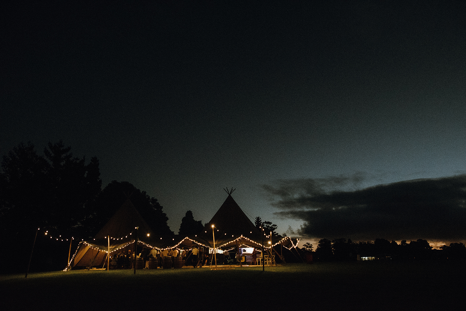 Wedding-outdoors-sunshine-coast-catering.jpg