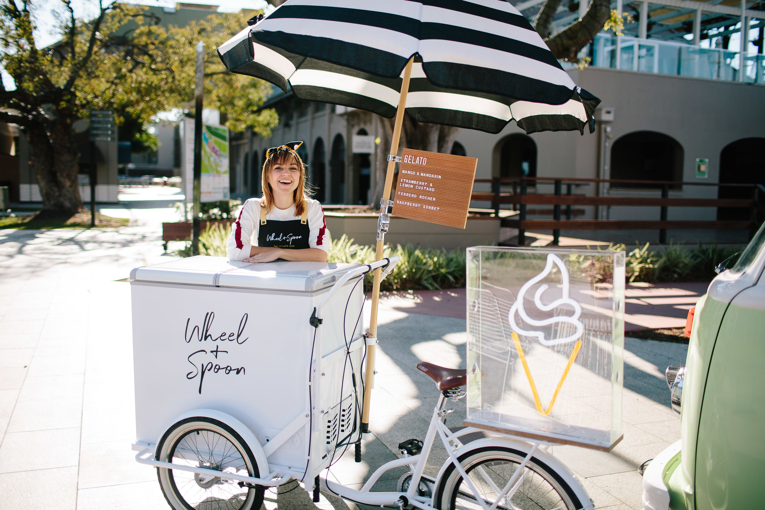 brisbane-wedding-food-catering-ice-cream-cart