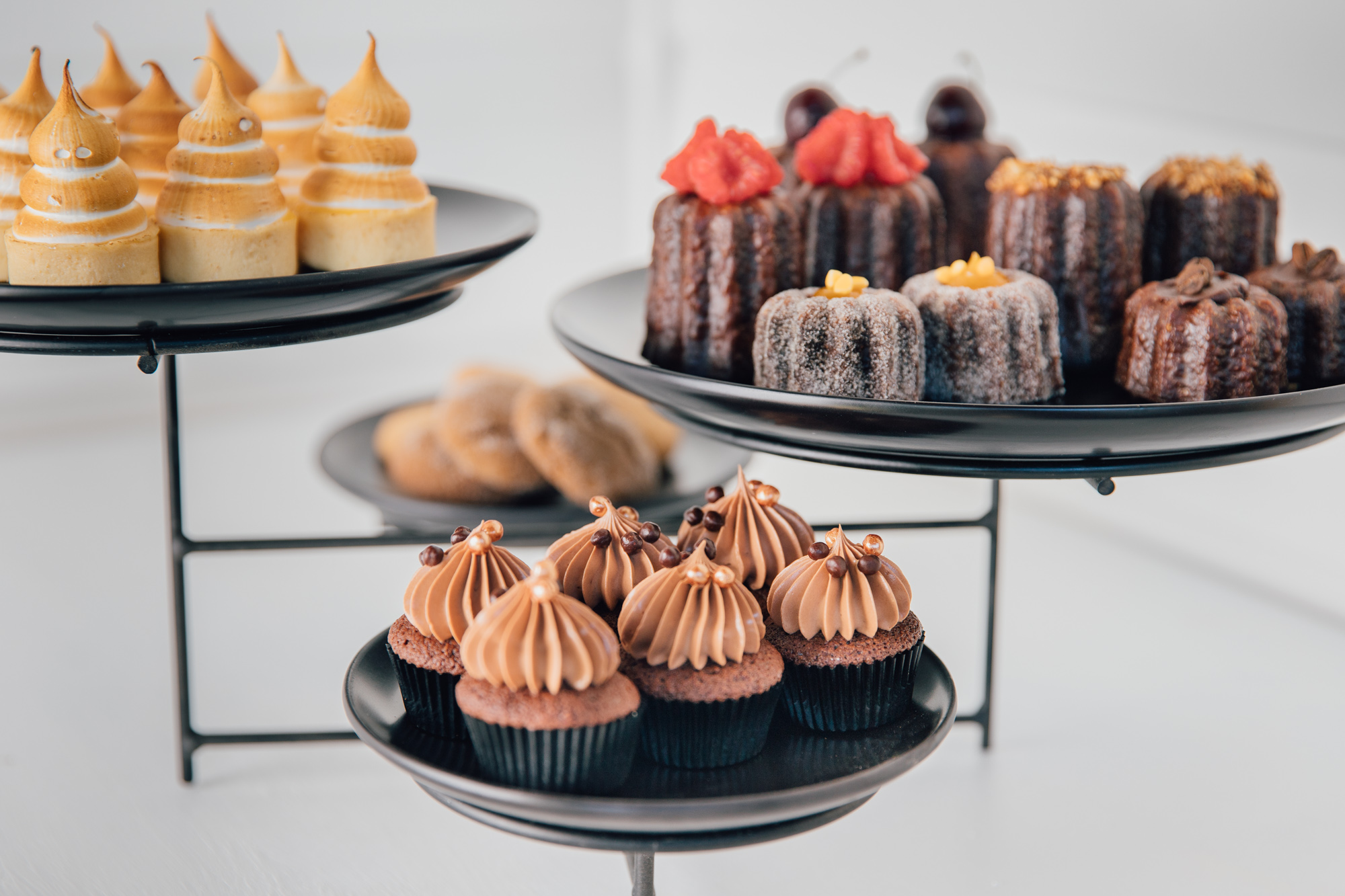 SWEET TREATS - Perfect catering accompaniment with our mobile coffee cart.Custom Cookies, Cupcakes, Macaroons, Brownies, Canales, Tartelettes, Sugar Cookies, Croissants and more.From $3.00 +GST per item (min order of 50 items)