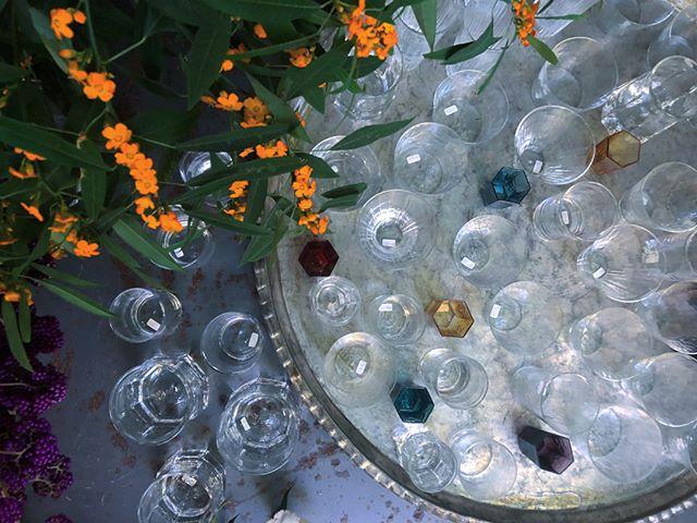西山芳浩 glasses glasses 開催しております。先週に引き続き、竹俣さんのカトラリーも展開中(竹俣さんは明日最終日)。 お歳暮に、ご自宅に、クリスマスギフトにどうぞ。  #竹俣勇壱 #西山芳浩 #yoshihironishiyama #yuichitakemata  Dec. 1(金)-10(日) 竹俣勇壱さんのカトラリー  Dec. 8(金)- 17(日)西山さんのグラスたち