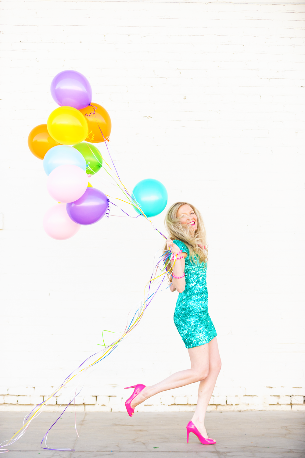 Bombay_Blonde_Running_Balloons.png