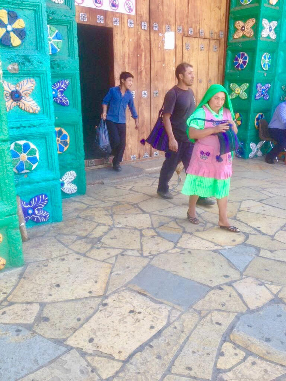 Hammocks_and_Ruins_Town_Villages_Chiapas_Chamula_18.jpg