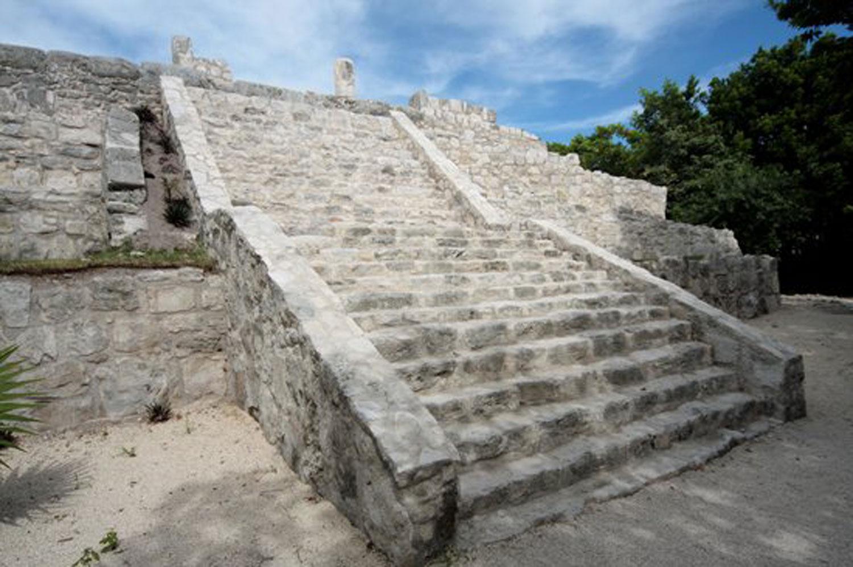 Hammocks_and_Ruins_Blog_Riviera_Maya_Mexico_Travel_Discover_Explore_Yucatan_Pyramid_Temple_Cancun_San_Miguelito_5.jpg