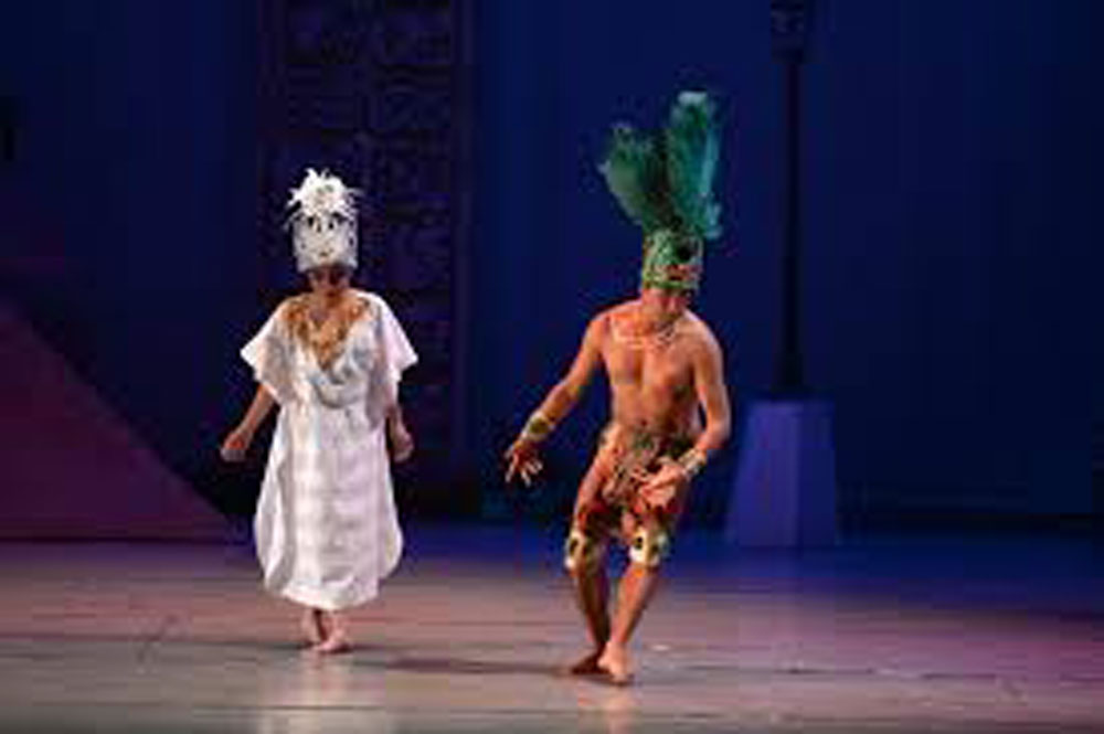 Canek and Sac-Nicté love story in a ballet performance