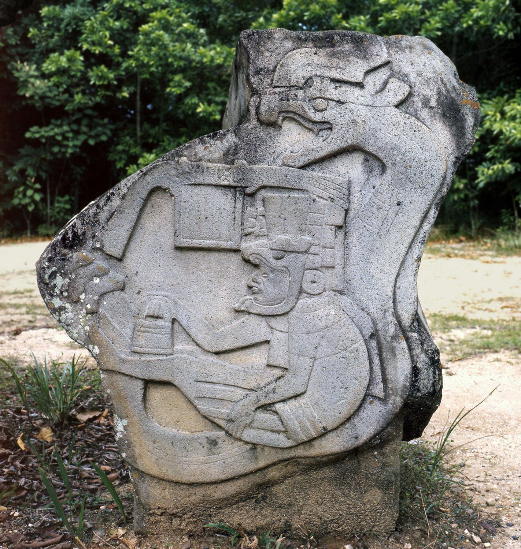 Monument 19 at La Venta Olmec Museum, Villahermosa. Credit: djibnet.com .