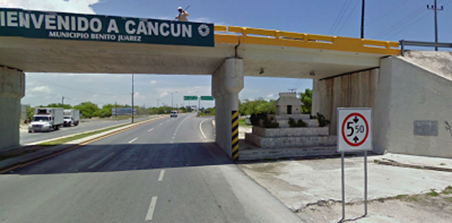 Alux house under the bridge to Cancún airport