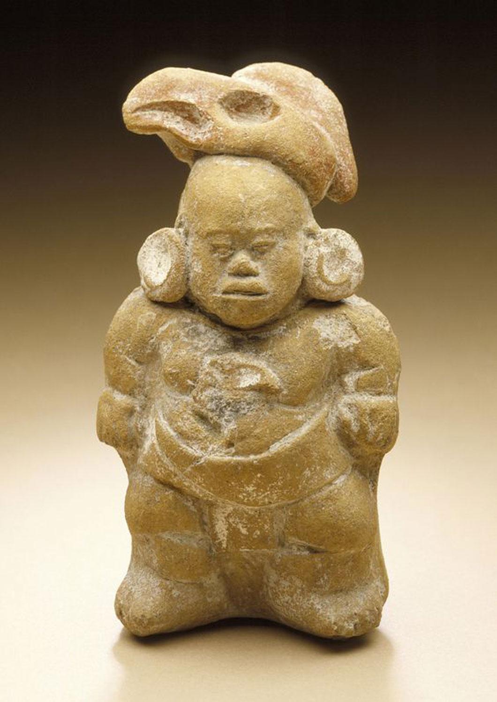 Dwarf Figurine whistle, Mexico, Campeche, probably Jaina Island, Maya, 600-800 AD. Source:  pinterest.com.mx .