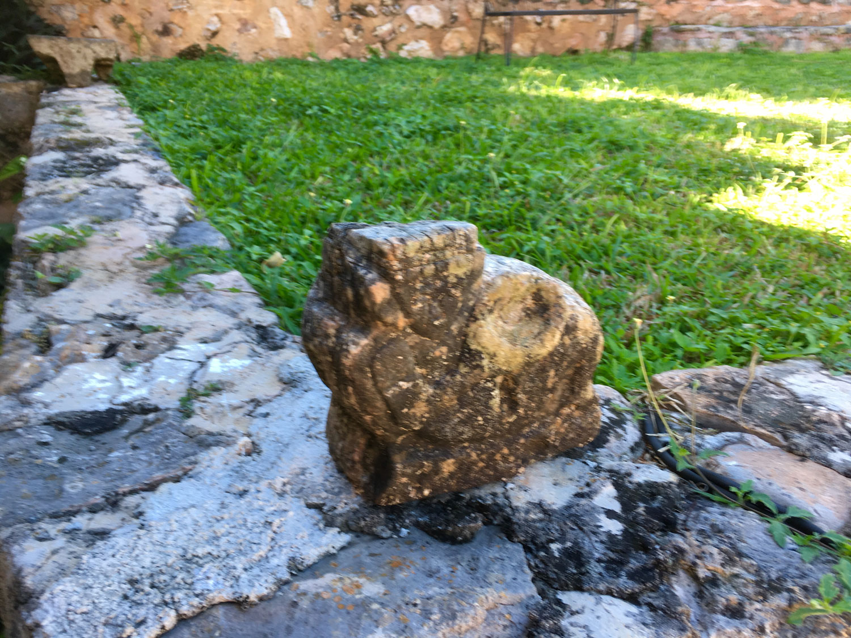 Maya sculpture at Hotel Rinconada.
