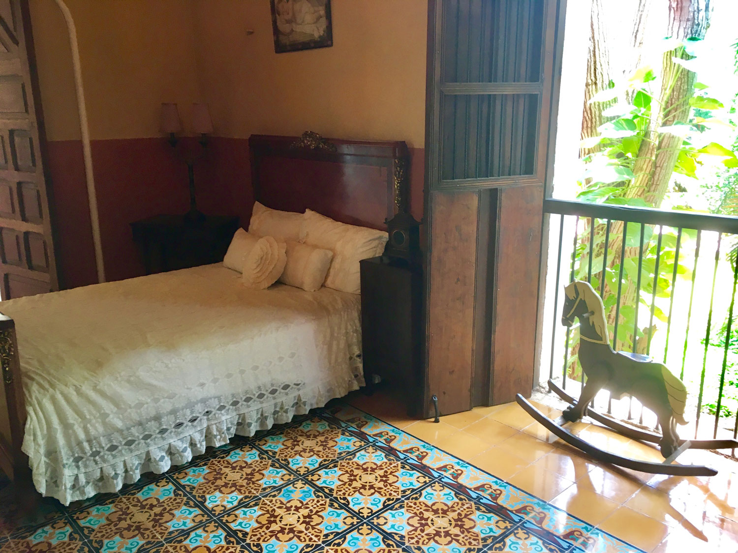 The only bedroom in the house as the owner had to visit a number of his haciendas in a row. His main residence was in Mérida.
