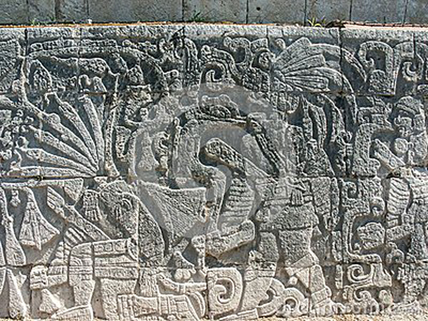 Relief (beheading-scene), Chichén Itzá ball court.