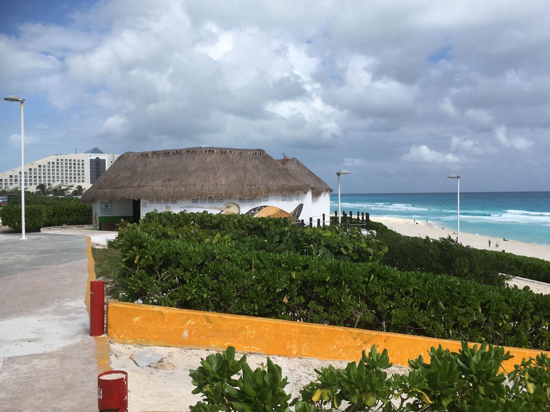 The beach has bathrooms by the car park.