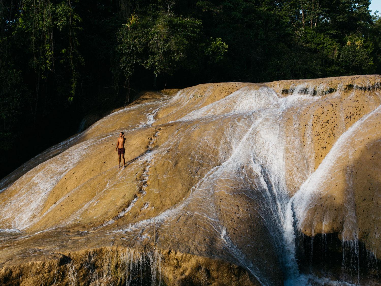 Hammocks_and_Ruins_Town_Villages_Chiapas_Lakes_Rivers_Jungles_Highlands_Agua_Azul_Waterfalls17.jpg