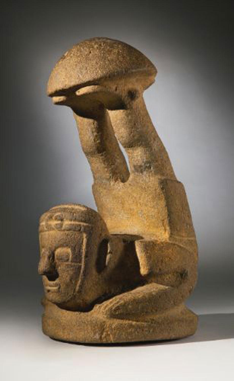 Maya 'mushroom' stone acrobat (300 BC-300 AD), Susie Nicholson:  pinterest.com.mx .