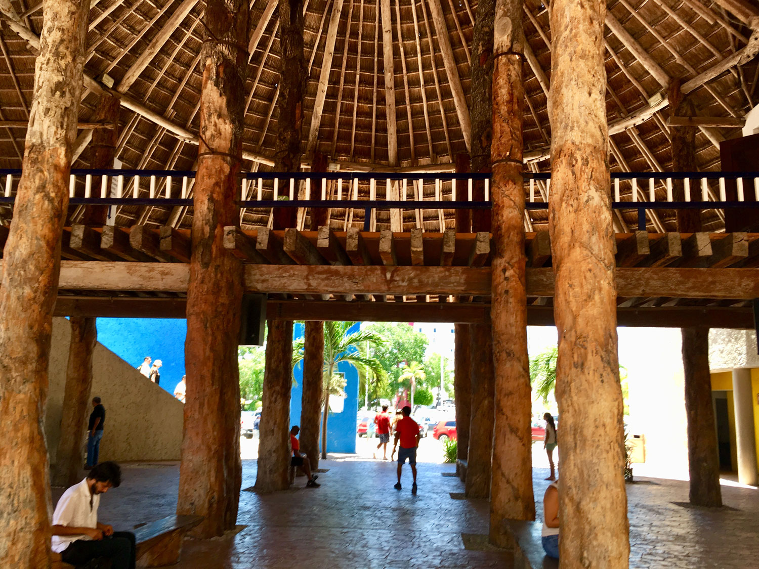 Go under the palapa with the ticket offices for the Captain Hook ship, the theatre and the car park. Public bathrooms are also here.