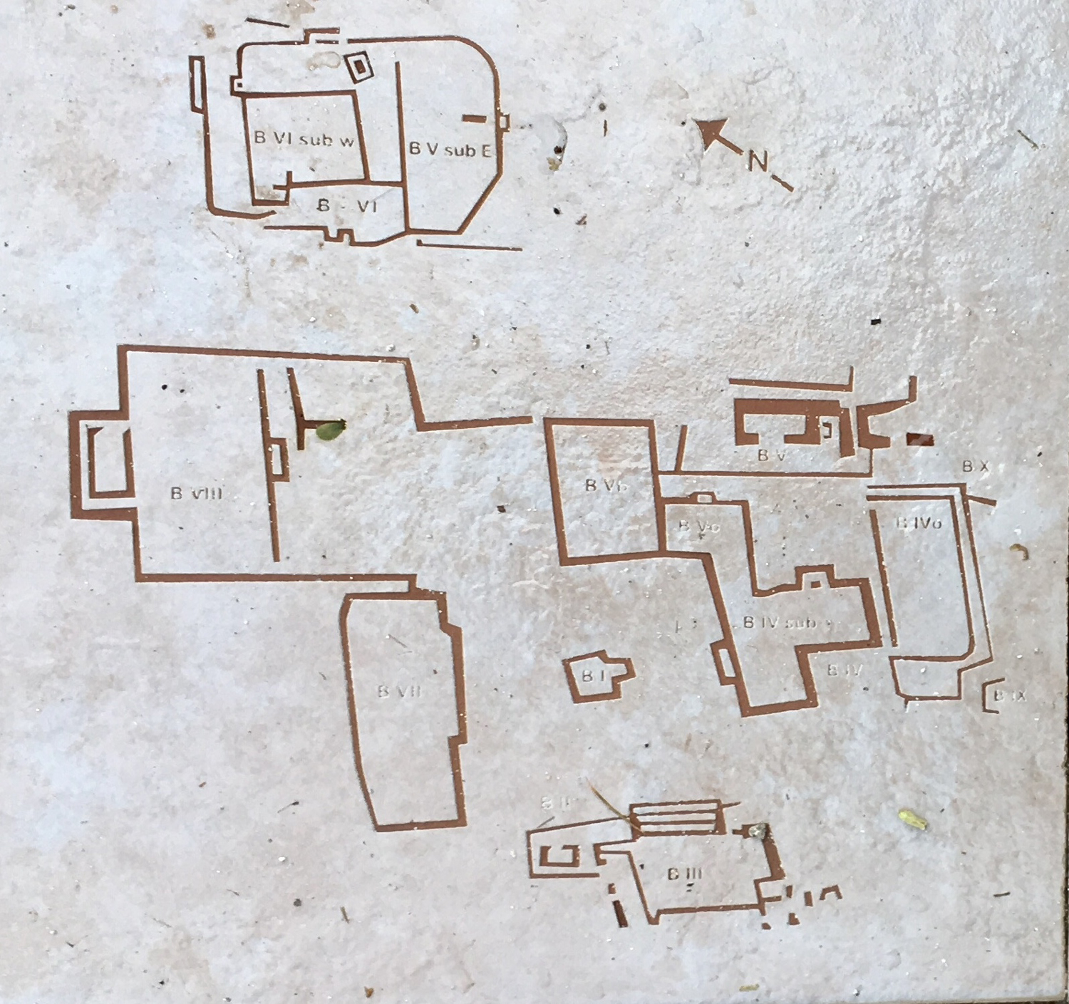 Group B in detail. You will find these maps outside the ruins.
