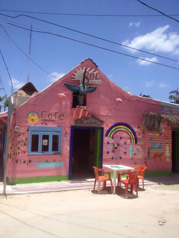 Calle Tiburón Ballena.