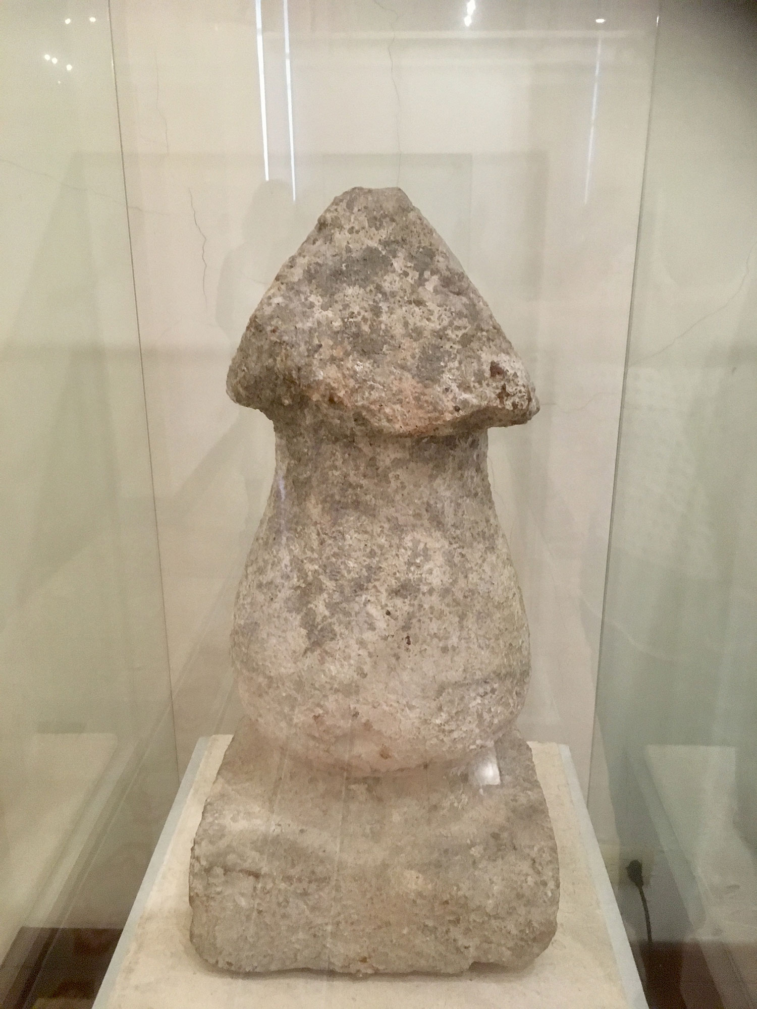 Phallus worship was common in Chichén Itzá, Uxmal and all Puuc sites, as well as in T'Hó. This one was found at the corner of today's Cultural centre called Olimpio.