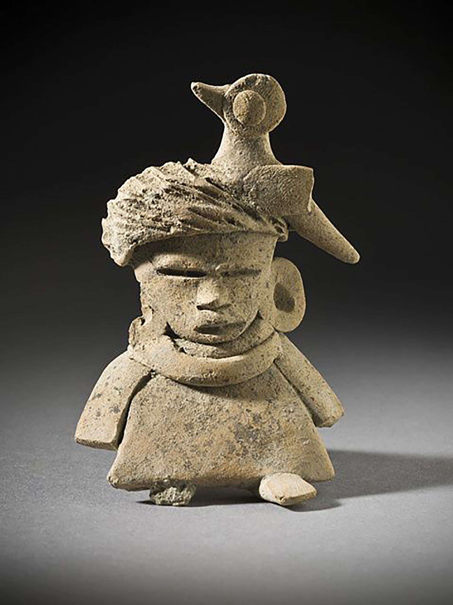 Seated female figure from Teotihuacán, 150-450 AD (credit: Pinterest).