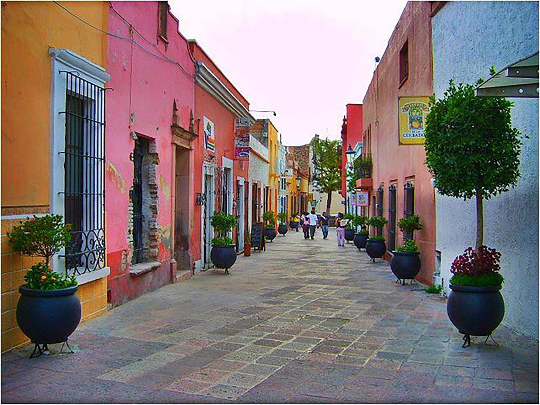 Historical Centre of Querétaro:  livingmagazine.life .