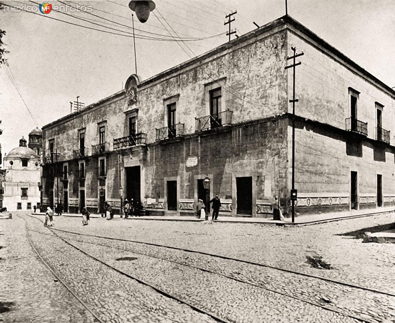 Casa de La Corregidora in the past:  livingmagazine.life .