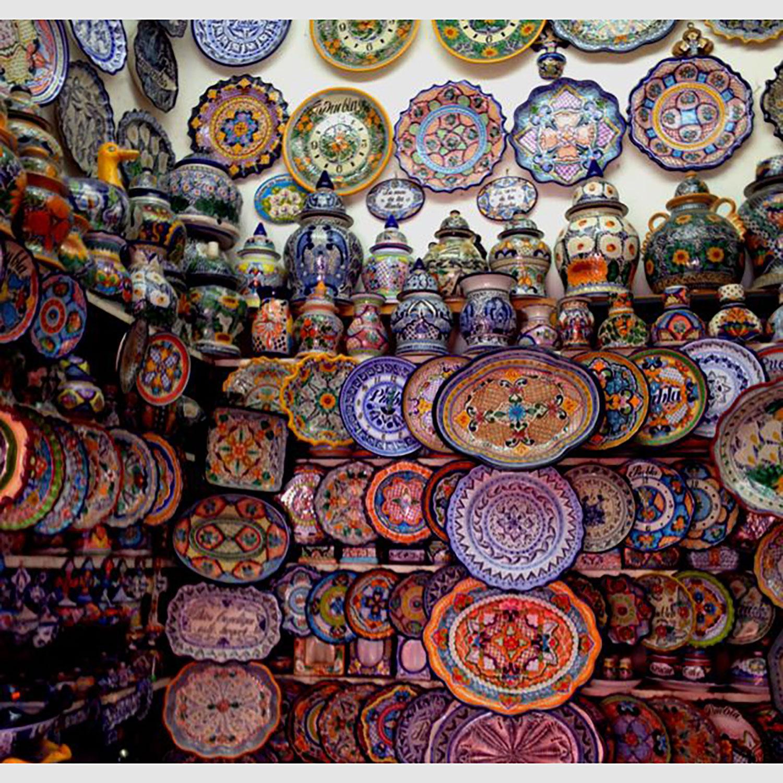 Talavera ceramics:  i.pinimg.com .