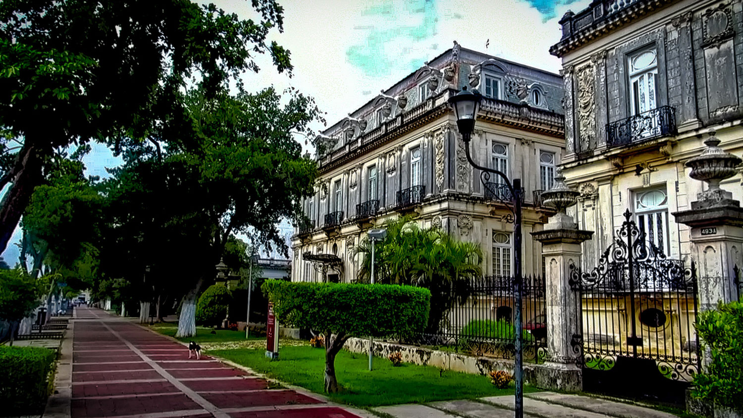 The 'Twin Houses' just down the road, on Paseo de Montejo.