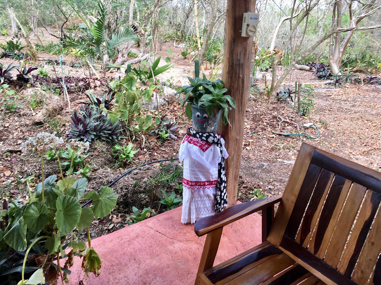 Hammocks_and_Ruins_What_to_Do_Mexico_Mayan_pyramids_cenote_Kikil_29.jpg