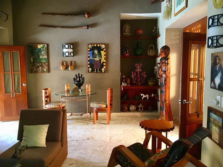 Hammocks_and_Ruins_What_to_Do_Mexico_Mayan_pyramid_museum_Valladolid_Casa_de_los_Venados_14.jpg