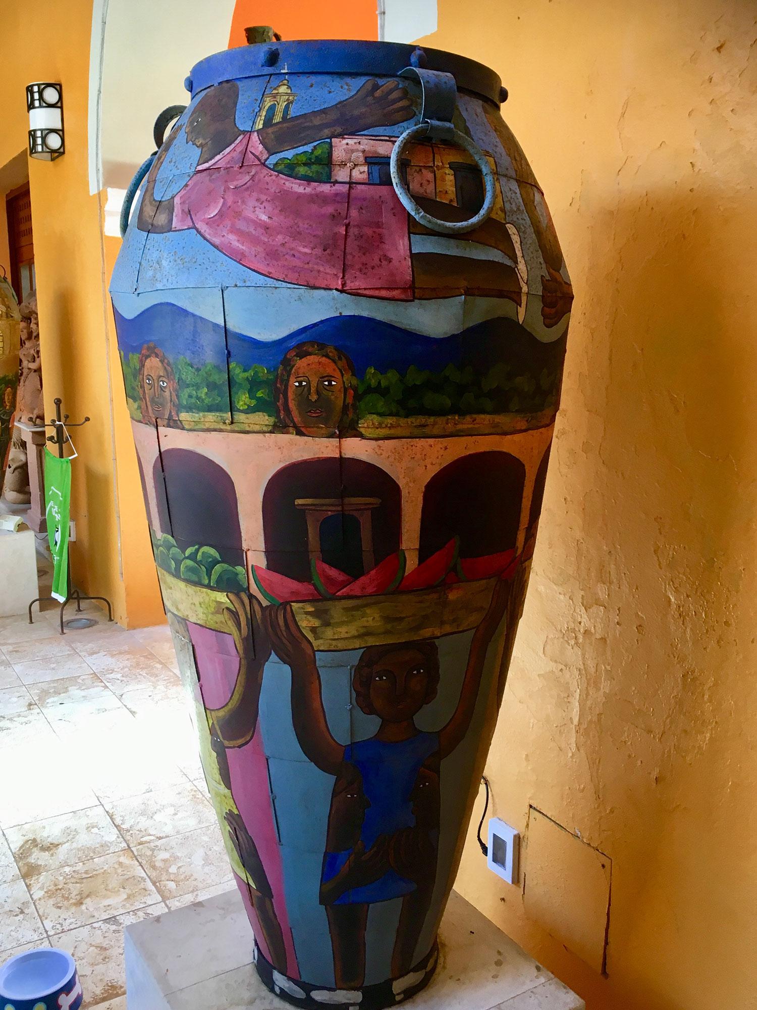 Hammocks_and_Ruins_What_to_Do_Mexico_Mayan_pyramid_museum_Valladolid_Casa_de_los_Venados_30.jpg