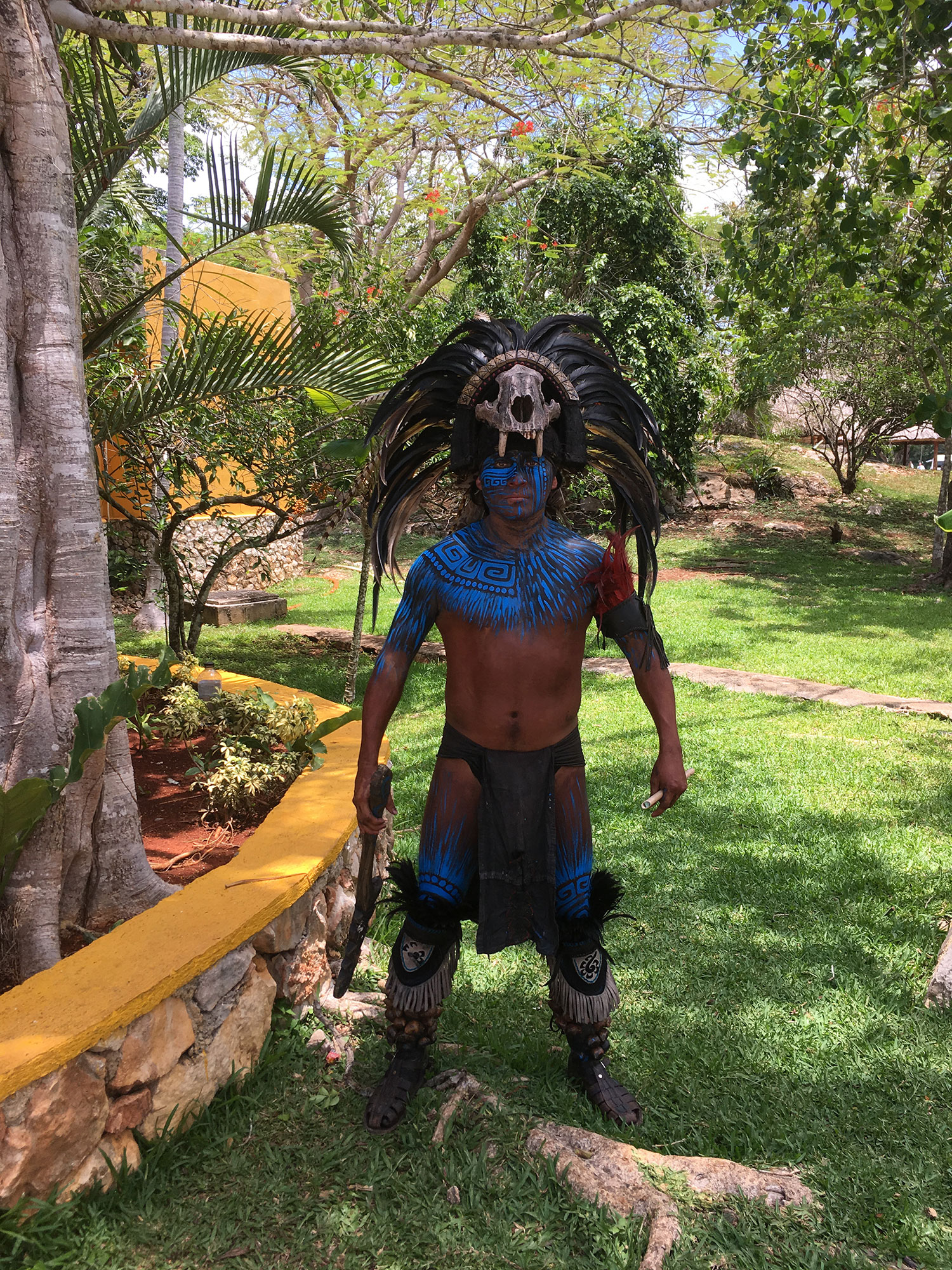 Hammocks_and_Ruins_What_to_Do_Mexico_Mayan_pyramid_cenote_Ik_Kil_7.jpg