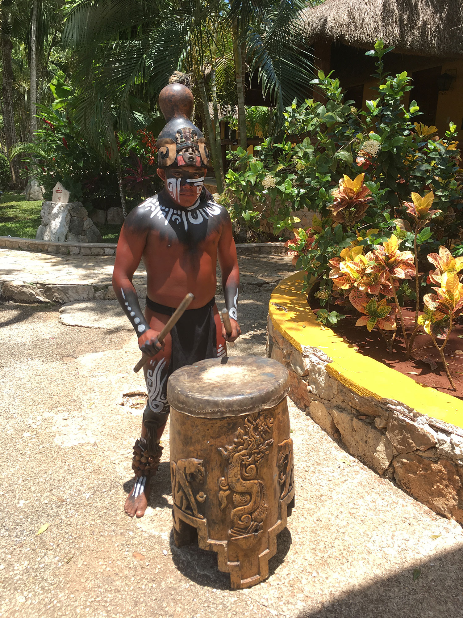 Hammocks_and_Ruins_What_to_Do_Mexico_Mayan_pyramid_cenote_Ik_Kil_14.jpg