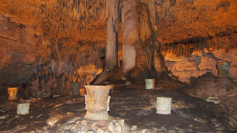 Hammocks_and_Ruins_What_to_Do_Mexico_Mayan_pyramid_cenote_hacienda_Yucatan_cave_Balamkanche_48.jpg