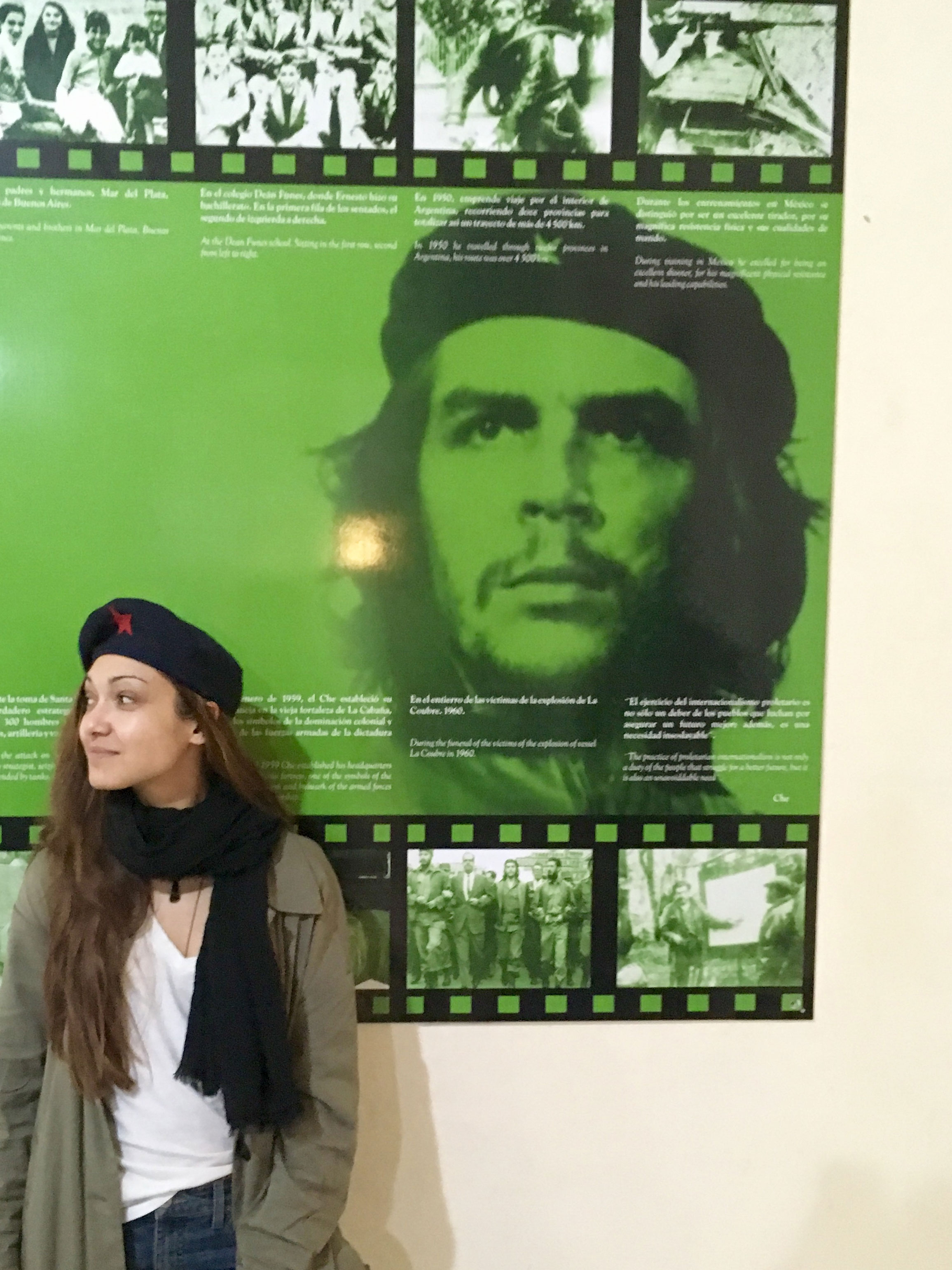 Daniela with Che at the Revolutionary Museum.