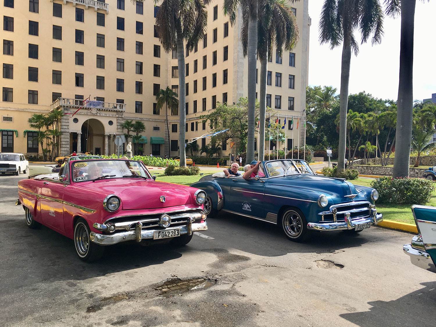 Vintage cars outside the Nacional. No need to pre-book, just arrive.