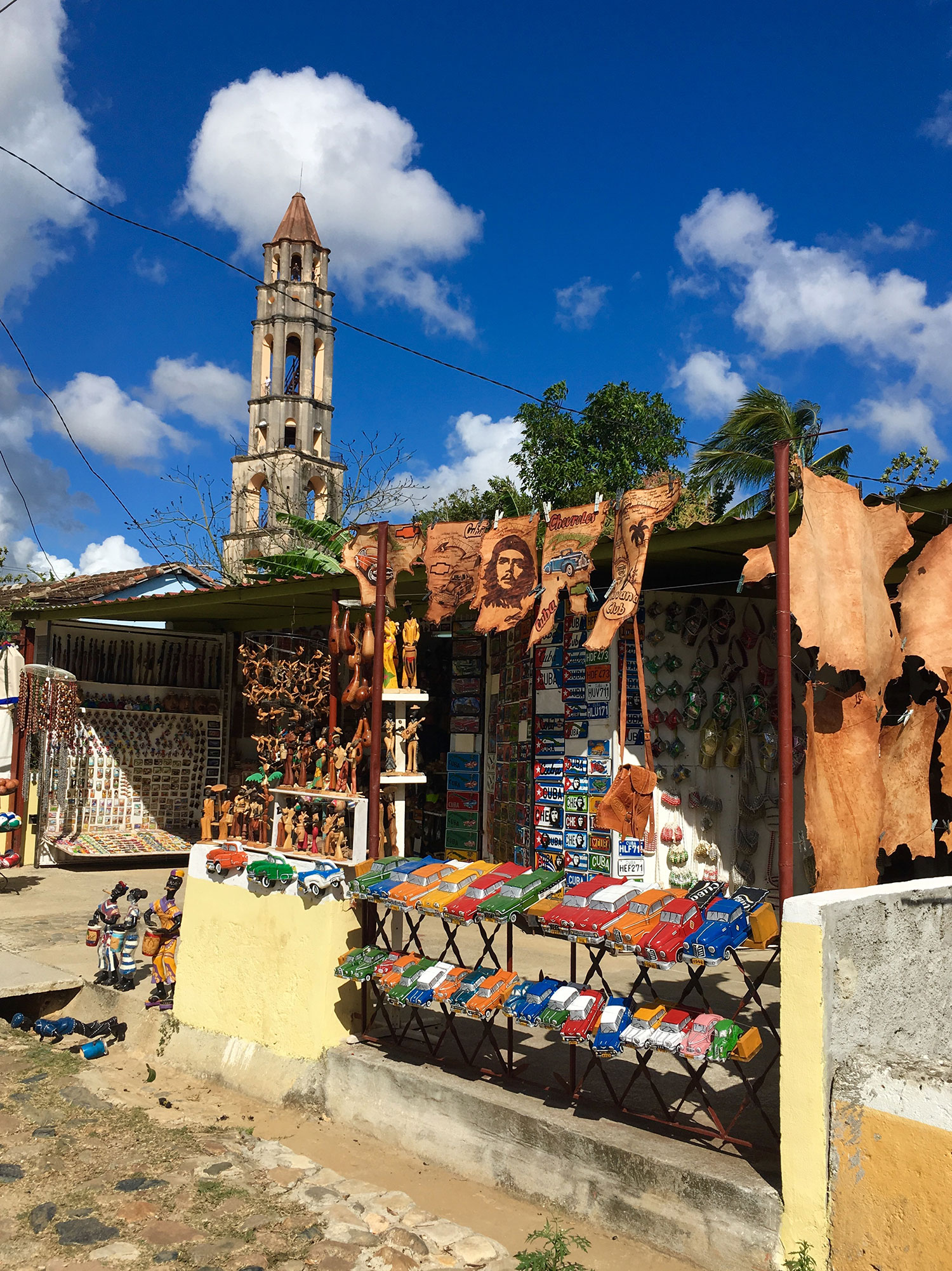 The stalls of the vendors line the path to the hacienda.