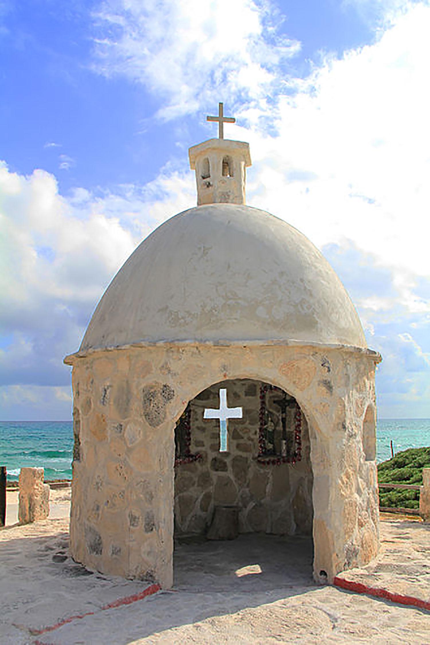 Chan Santa Cruz Monument in Cozumel:  wikiwand.com .