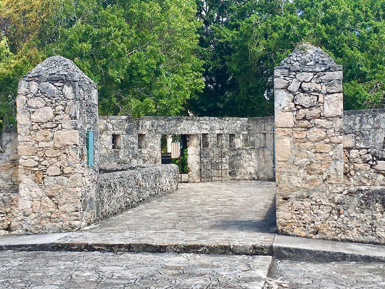 Hammocks_and_Ruins_What_to_Do_Yucatan_Mexico_pyramids_lakes_Maya_40.jpg