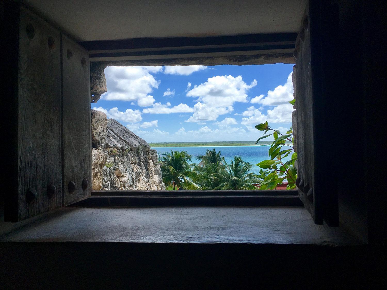 Hammocks_and_Ruins_What_to_Do_Yucatan_Mexico_Bacalar_lake_fortress_Maya_38.jpg