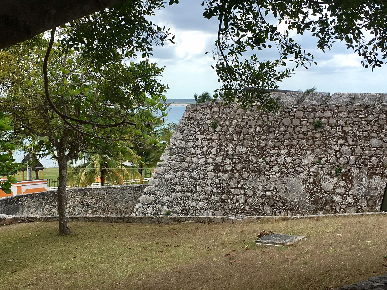 Hammocks_and_Ruins_What_to_Do_Yucatan_Mexico_Bacalar_lake_fortress_Maya_37.jpg