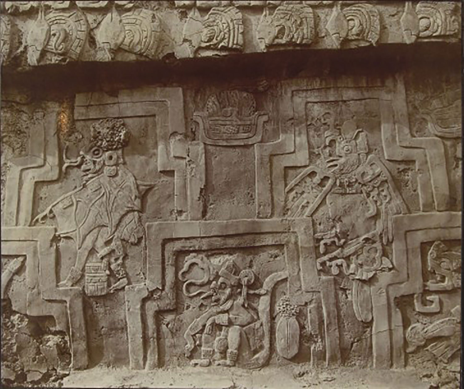 A close up of the frieze. Source:  lugares.inah.gob.mx .