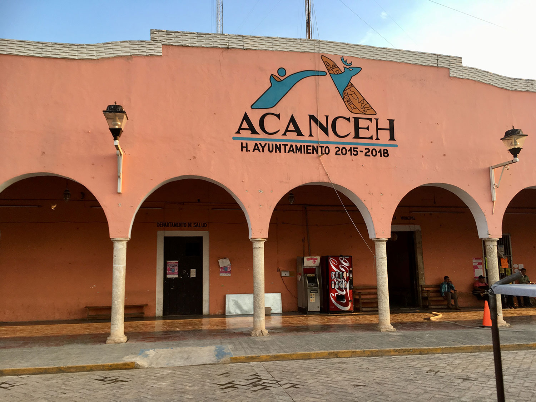 The town hall (ayuntamiento).