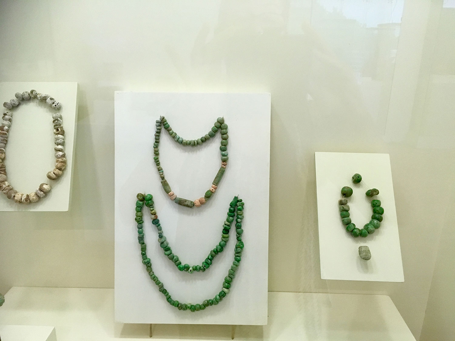 Jewellery from a royal tomb in Dzibanché (600-850 AD), at Cancún Mayan Museum.