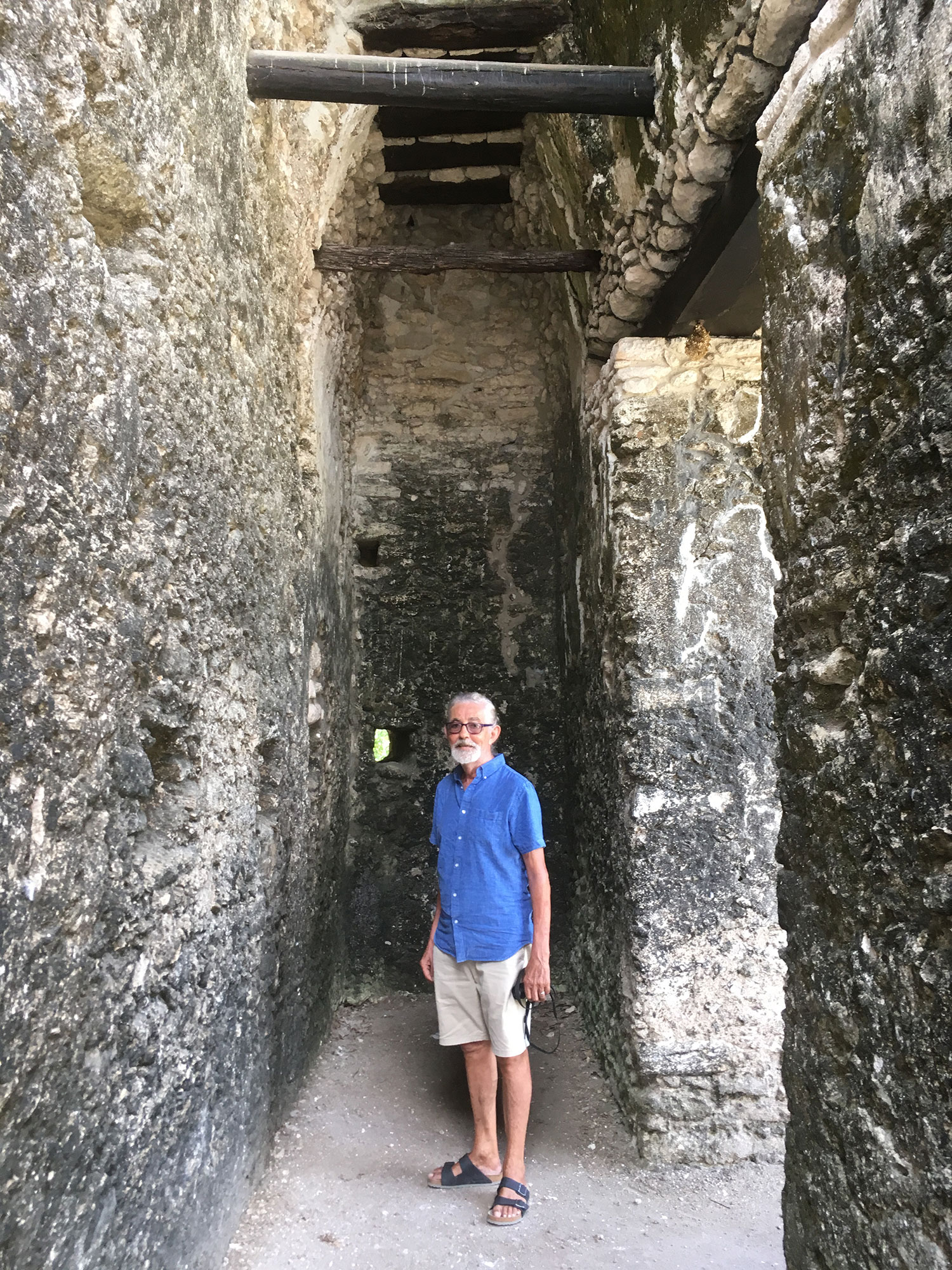 Rhod at the Temple of Lintels.